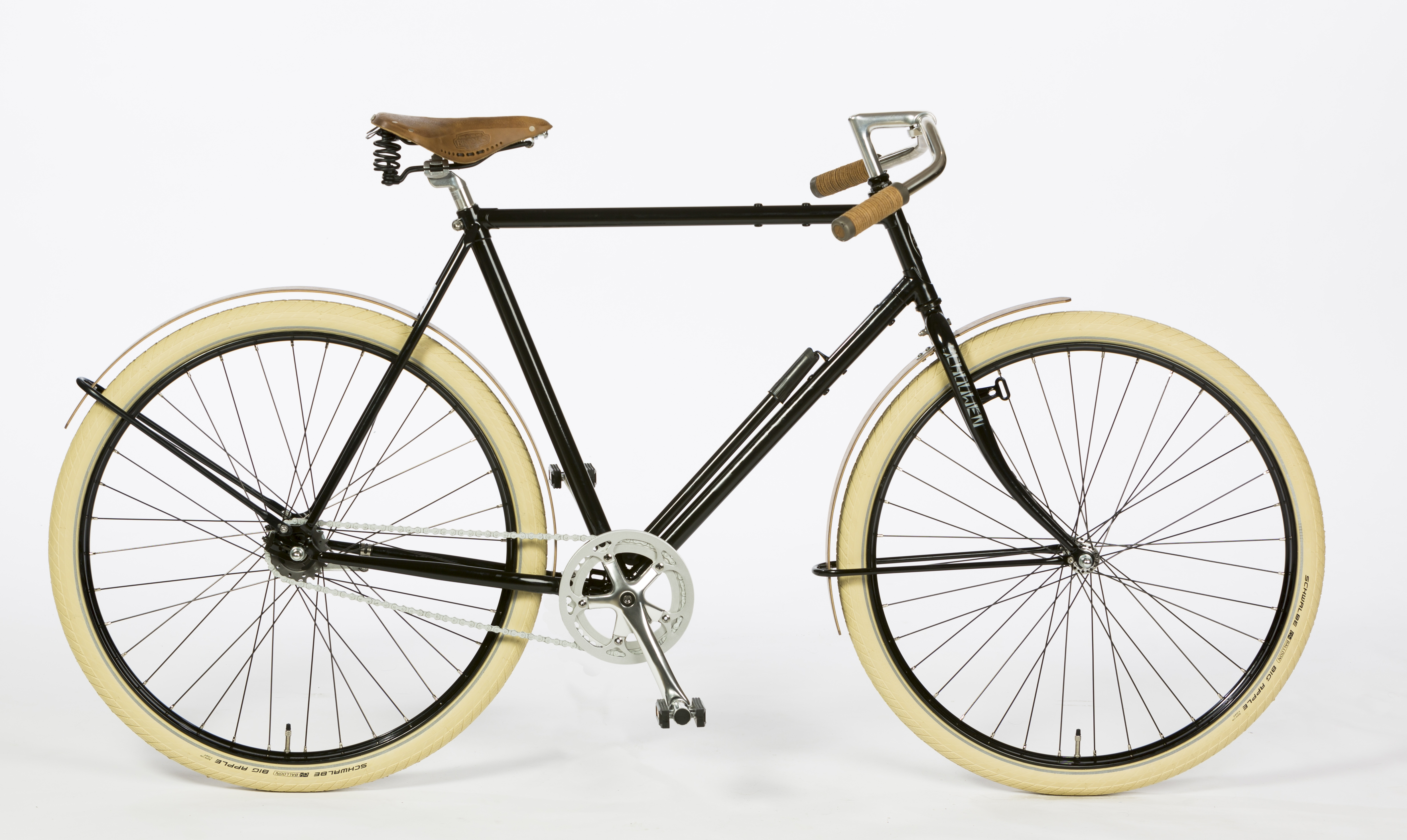 Dutch City Racer Bicycle with wood fenders | Urkai