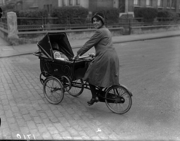 Mom on Cargobike 1926