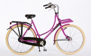 Omafiets_New_Amsterdam_Violet_With_Front_Carrier