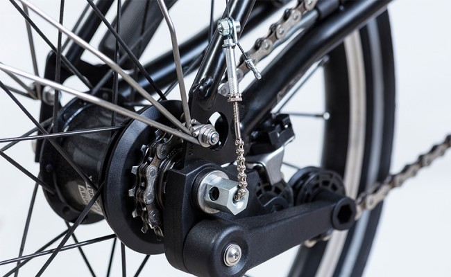 Black-Edition-Alll-Black-hub-detail